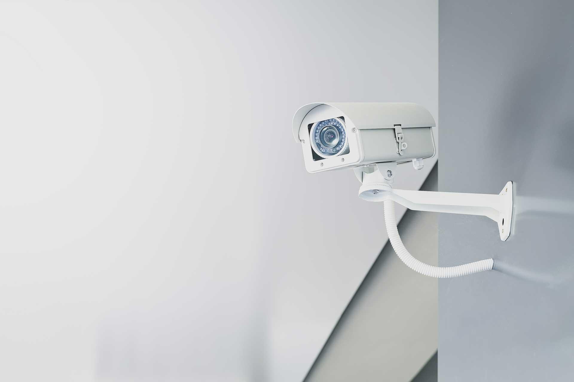 Sistema di videosorveglianza in azienda? Ecco come farlo a norma.